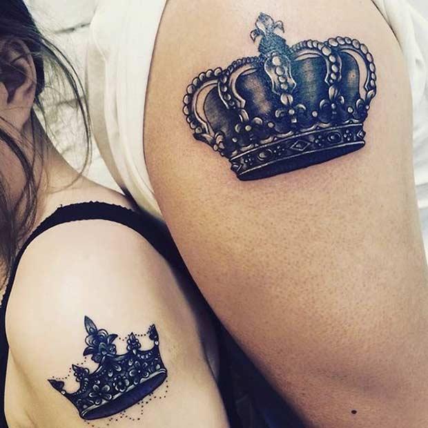 tatuajes de coronas en hombros Tatuajes de Coronas