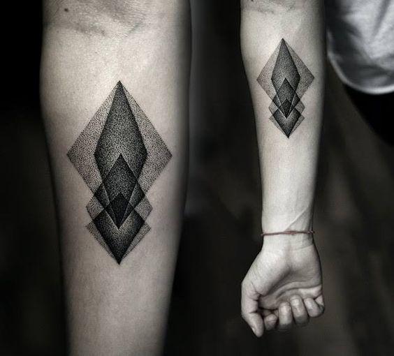 img 5a8445e4a9474 Tatuajes en el Brazo para Hombres