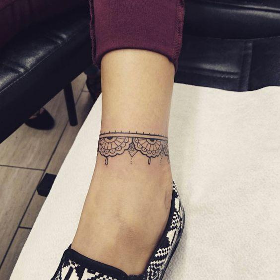 img 5a8634aeba027 Tatuajes de Pulsera en el Tobillo