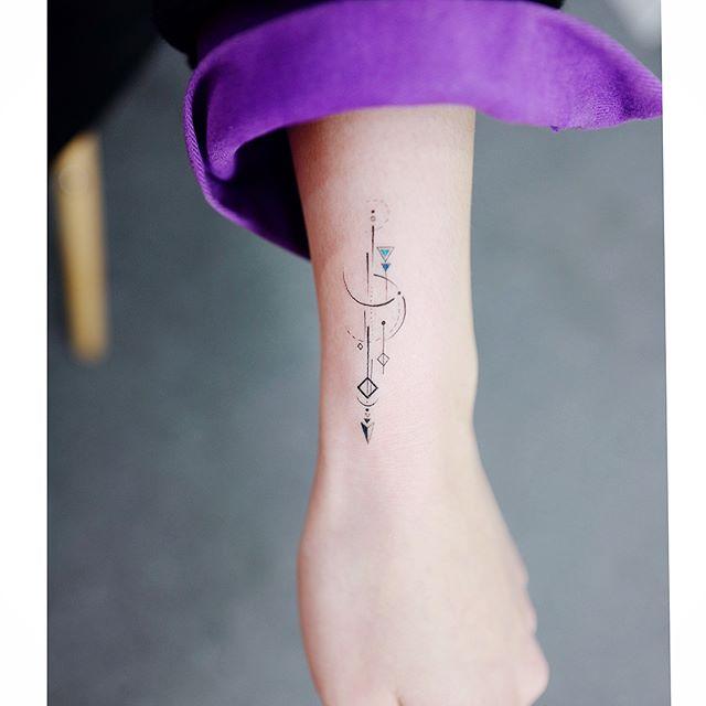 26227868 898242277010941 6122374106902953984 n Pequeños Tatuajes que toda chica desearía tener