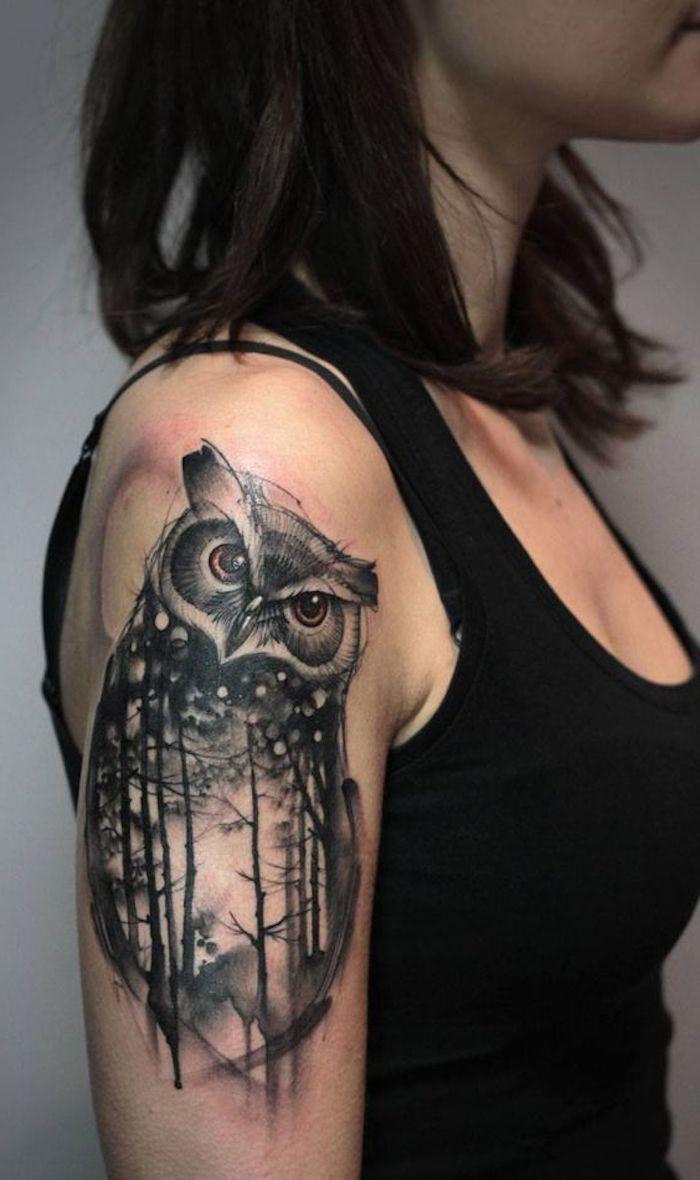 8 tattoos für frauen oberarm tattoo eule in schwarz und grau 25 tatuajes en brazos para mujeres