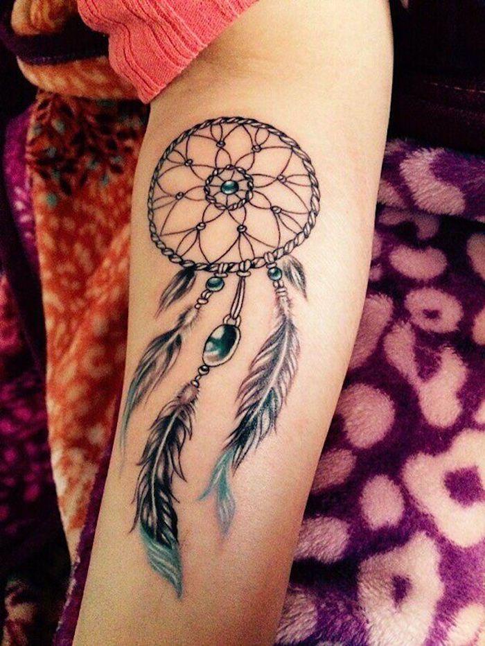 9 tattoos für frauen unterarm tattoo arm traumfänger tätowierung in schwarz und blau 25 tatuajes en brazos para mujeres