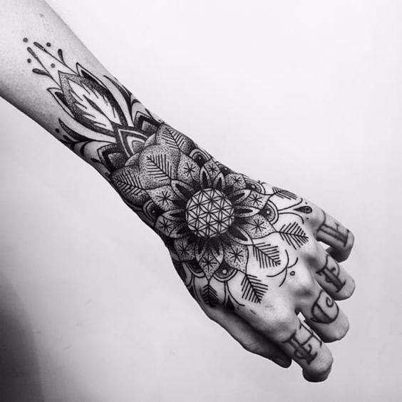 img 5aa87c84eff57 +20 Tatuajes para Mujeres
