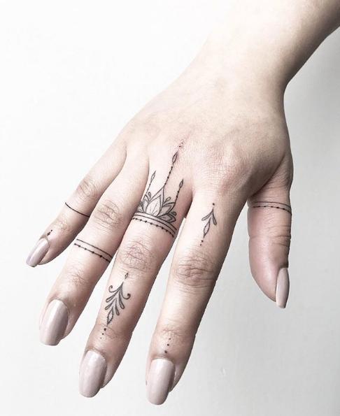 img 5ad2592adc9ce Tatuajes de dedos súper lindos